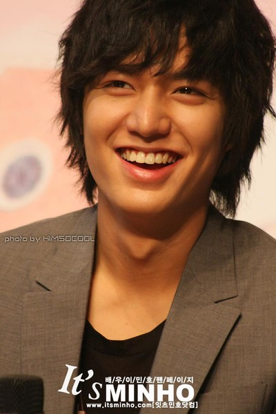 http://nuel92.files.wordpress.com/2009/06/lee-min-ho-10.jpg