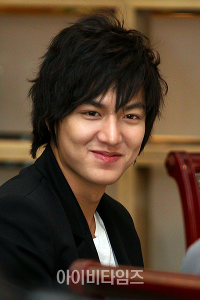 http://nuel92.files.wordpress.com/2009/06/lee-min-ho-13.jpg